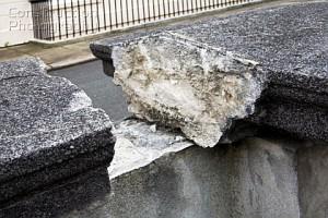 A032-00160_Broken_stone_wall