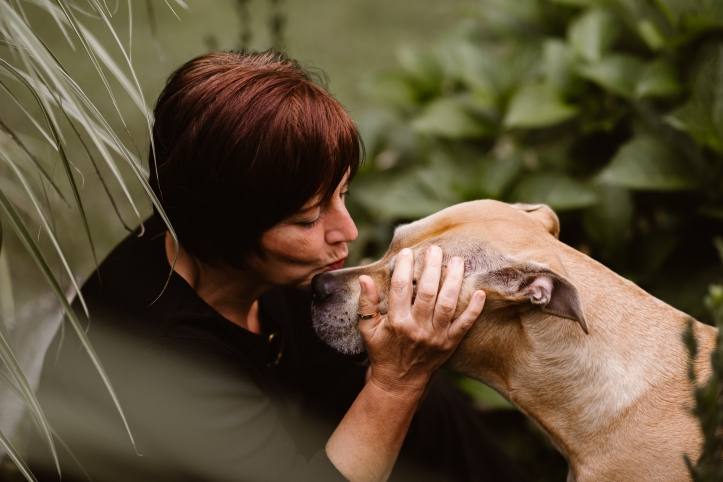 dog kiss (1).jpg